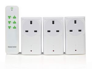 LightwaveRF Wireless Control Plug In Socket Kit on off for Electrical Devices with Remote Pack of 3 White